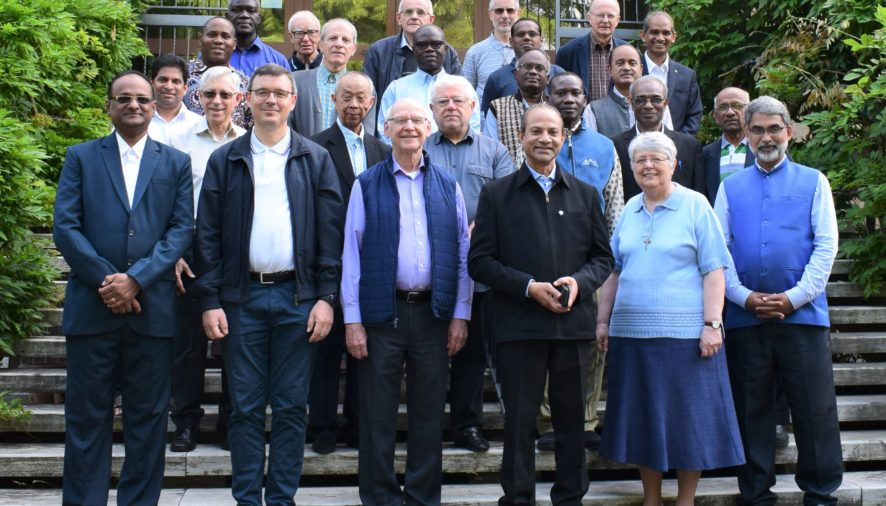 Members of Revision of Rule of Life with the members of Casa Generalizia